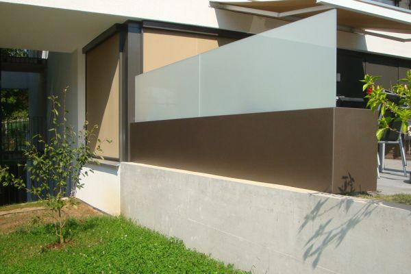 gelnder sichtschutz stunning wpc wpc sichtschutz zaun der universelle mit zierelement edelstahl. Black Bedroom Furniture Sets. Home Design Ideas